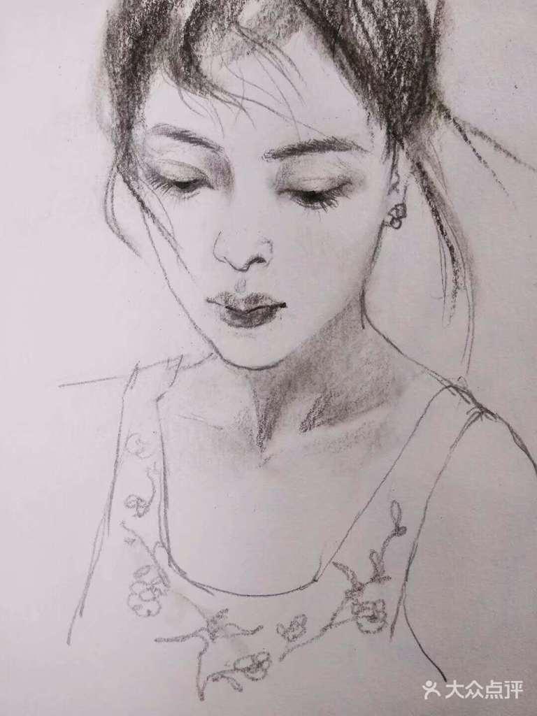 成人零基础彩色铅笔绘画体验 提供专业彩色铅笔画具,铅笔纸张不限量