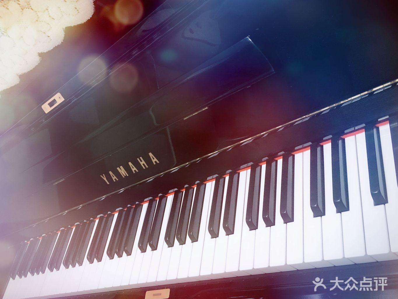 音乐_2014qq音乐年度盛典走红毯时放的音乐音乐_音乐=影像≠音乐淘宝