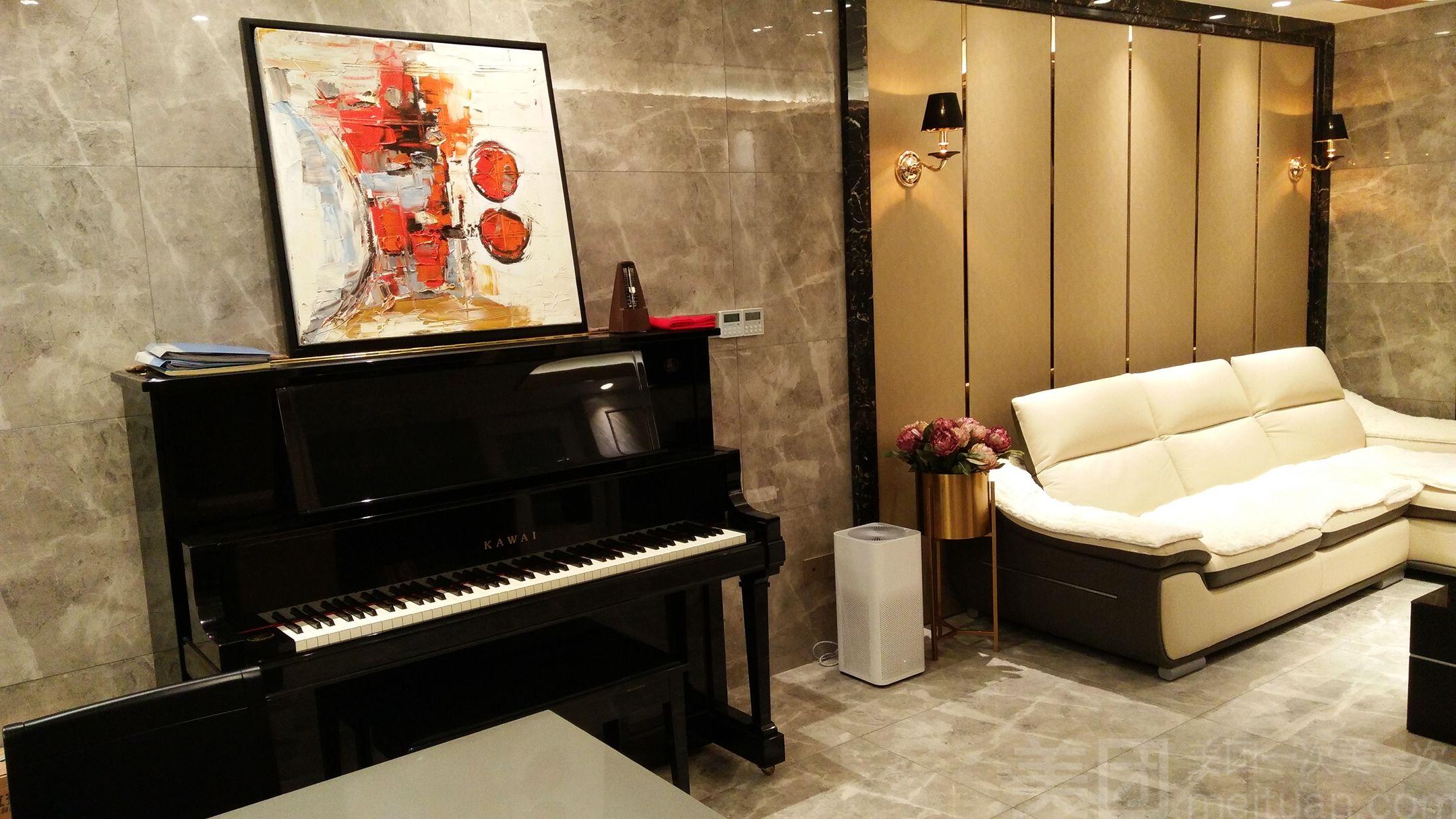 周倩钢琴工作室