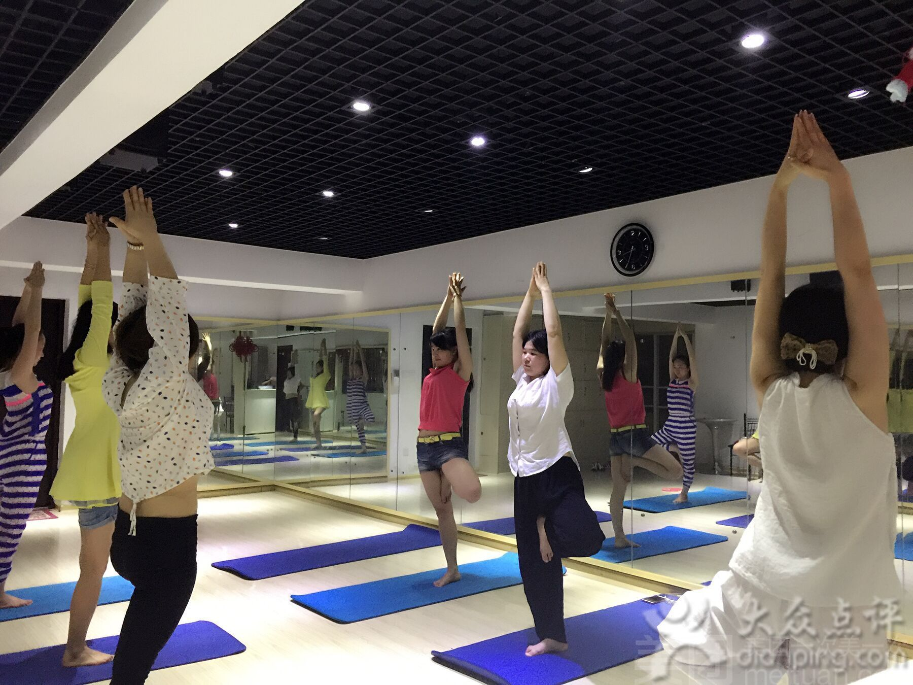 :长沙今日团购:【芭莎舞蹈工作室】单人瑜伽月卡限时特惠套餐