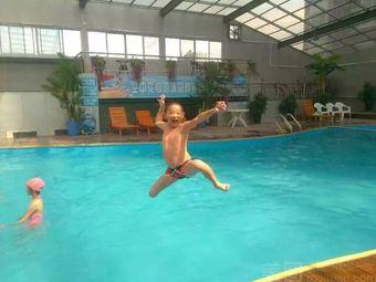 天龙空中花园游泳馆