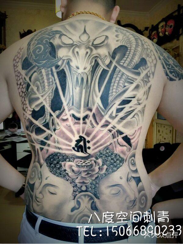 八度空间刺青是青岛市专业的纹身工作室之一,位于市北区热闹的