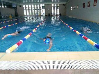创一恒温游泳馆