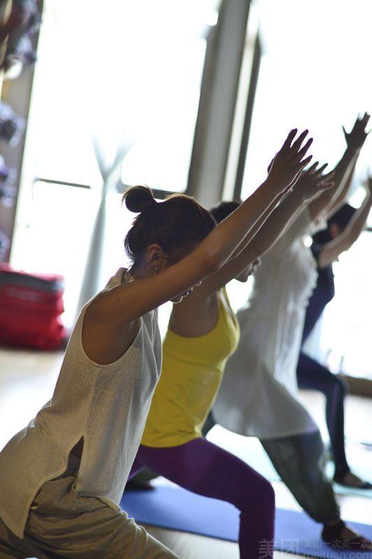 荷瑜伽-美团