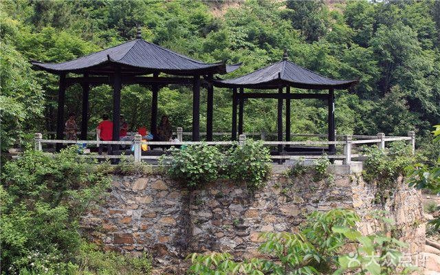 木兰古门风景区位于湖北省武汉市黄陂区姚家集街道,景区占地6600亩