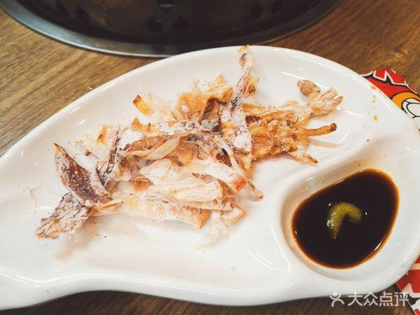 芥末鱿鱼丝,蘸了青蟹之后鱿鱼芥末丝吃奇怪有点起来,感觉丝和普通的零鱿鱼坐月子能吃吗图片