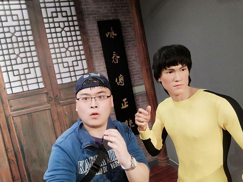 经典 叶问 叶师傅 华人武打第一人 当年号称 单臂800磅 单腿1600磅的图片