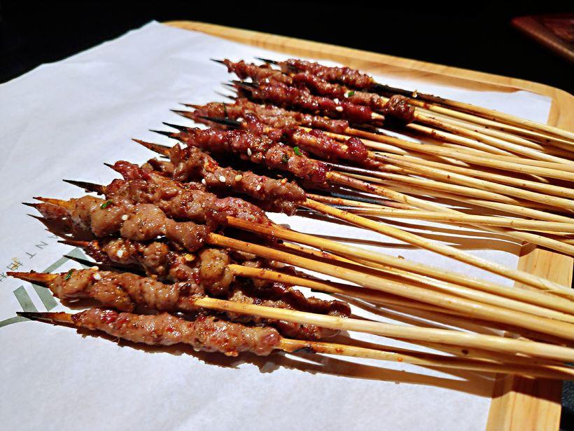 烧烤主题开启,迷你小串,羊肉串,牛肉串,唇齿留香,好过瘾!图片