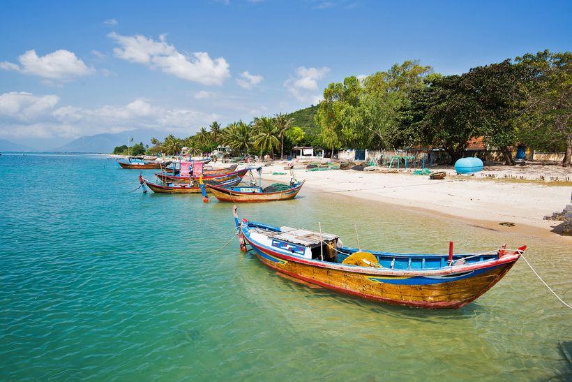 而越南最著名的景点无非就是天堂湾,黑岛,第一岛等等.图片