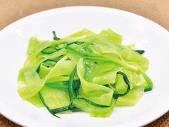 清炒玉带莴笋片