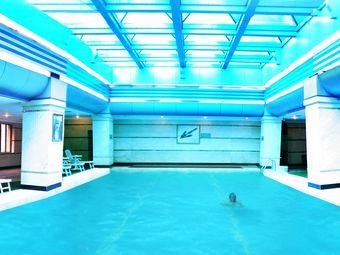 长虹国际酒店游泳池