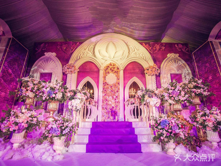 婚礼策划 简·爱 婚礼策划机构  布置 迎宾区:奢华欧式宫廷风   鲜花