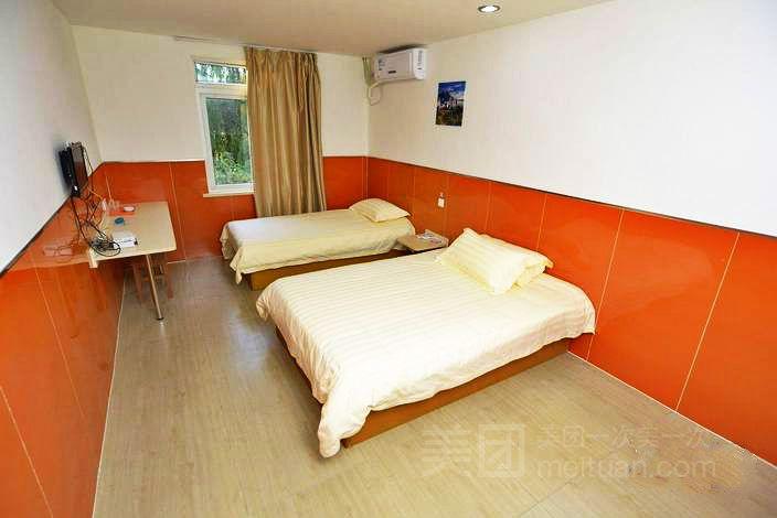 99旅馆连锁(上海浦东五莲路地铁站店)预订/团购