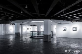 多伦现代美术馆