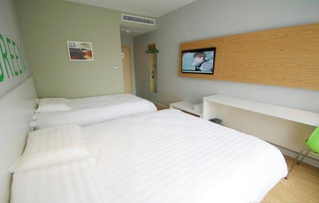 莫泰酒店(上海虹桥国家会展中心华江公路店)预订/团购