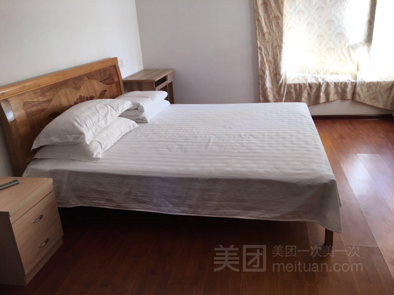 英宏家庭公寓(火车东站店)预订/团购