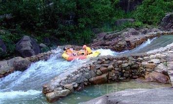 【台山市】台山猛虎峡谷漂流半程漂成人票-美团