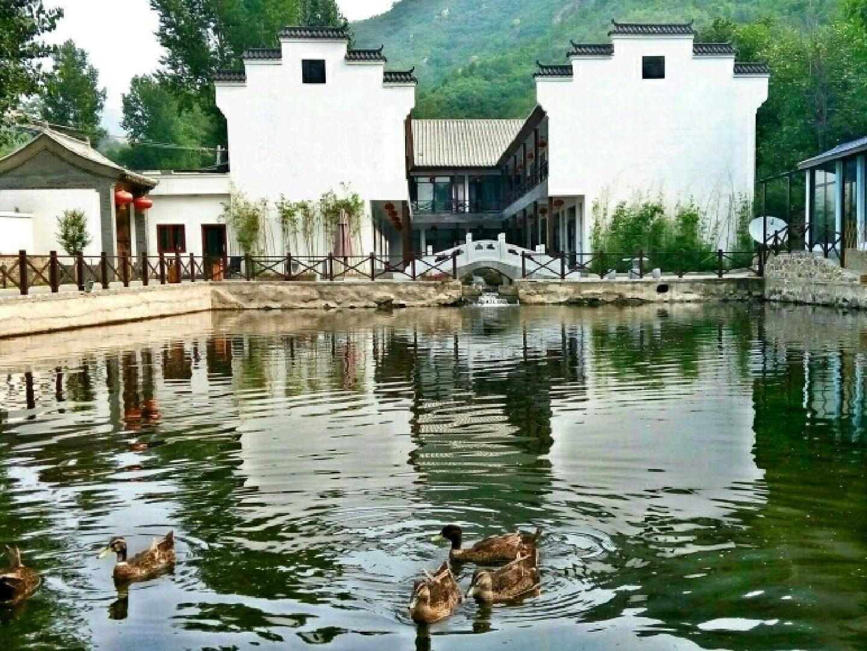 北京荷塘山庄预订/团购