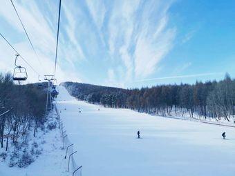 上京国际滑雪场