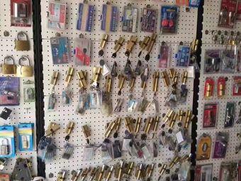 汽车开锁修锁配钥匙安装指纹锁