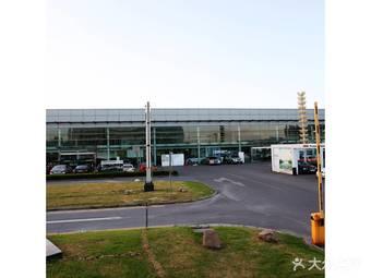 上海宝诚宝马4S店(永达龙东店)