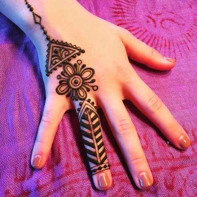 海娜手绘纹身图