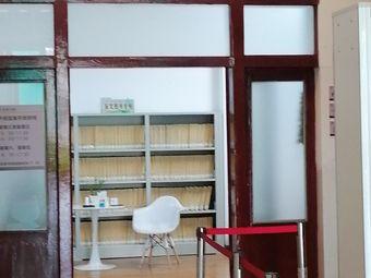 图书馆多媒体电脑阅览室