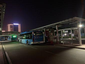 公共汽车城轨唐家湾站充电站