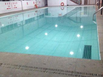 新标榜游泳洗浴中心