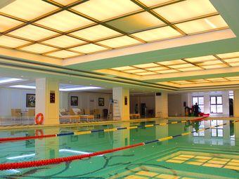 乐天游泳俱乐部