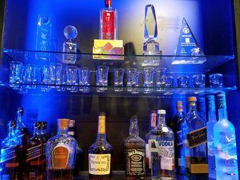 EMA Karaoke Bar