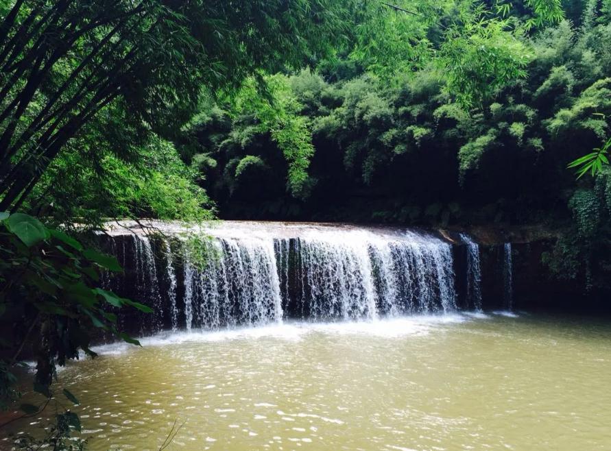 赤水大瀑布-美团