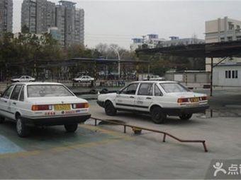华驾校练车场