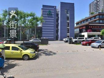 新雅艺墅停车场