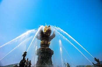 【合肥出发】灵山胜境、灵山小镇·拈花湾、三国城等2日跟团游-美团