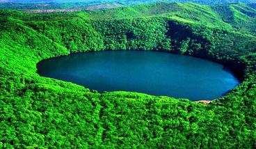 【长春出发】吉林三角龙湾、吊水壶瀑布景区、大龙湾景区2日跟团游*森林氧吧标准间-美团
