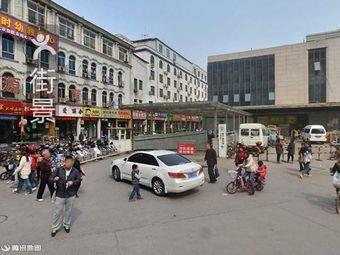 万达广场洛阳店停车场