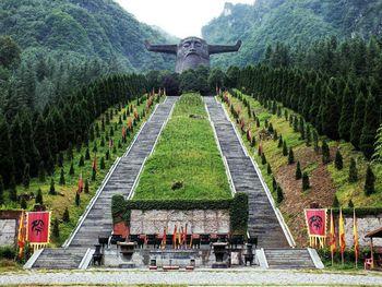 【武汉出发】神农祭坛景区、神农架、天生桥等纯玩3日跟团游*动车往返、寻神农野人-美团