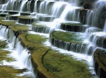 【石家庄出发】八里沟景区、天界山景区2日跟团游*游回龙峡谷赏挂壁公路-美团