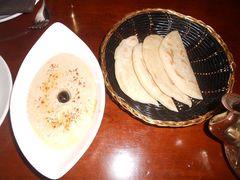 ANDALUS 摩洛哥特色风味餐厅的鹰嘴豆泥