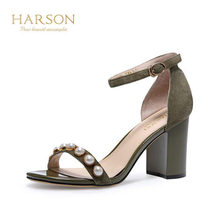 哈森2018夏季新款羊皮露趾珍珠女鞋 一字带粗高跟凉鞋hm86026图片