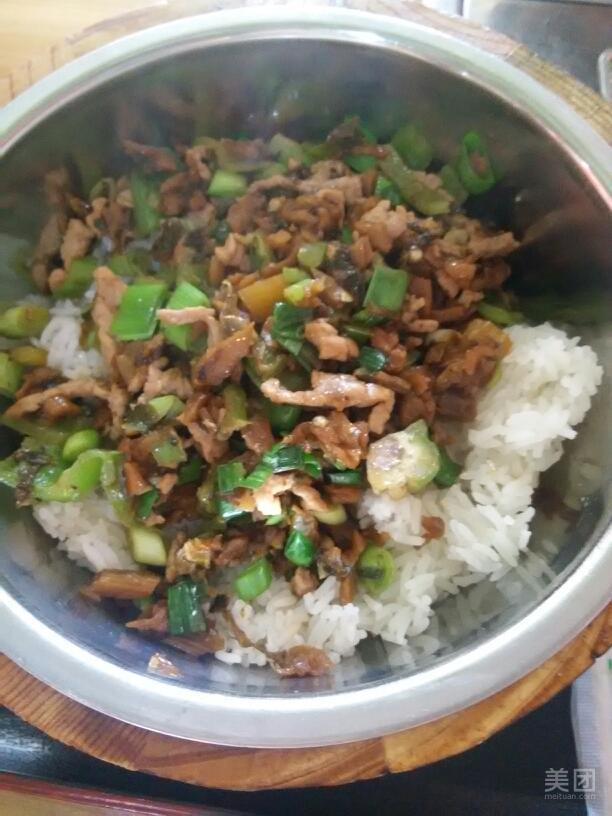 外婆菜炒肉-川香缘木桶饭-美团