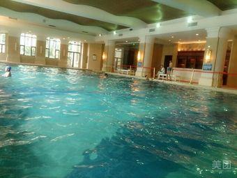 恒大名都游泳池