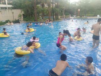 长城世家游泳池