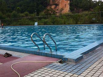 博罗中学青少年俱乐部游泳场