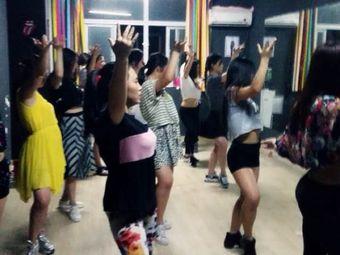 MIX舞蹈交流中心