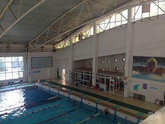 一中游泳馆