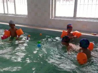 喜洋洋专业游泳培训基地(燕山路店)