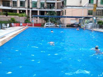 山水华庭游泳池