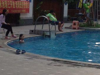 江南新城一期游泳池